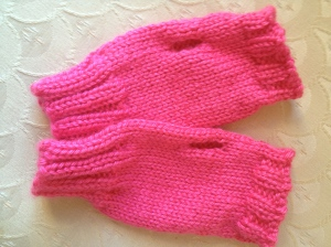 Improvised simple mitts in Caron Simply Soft